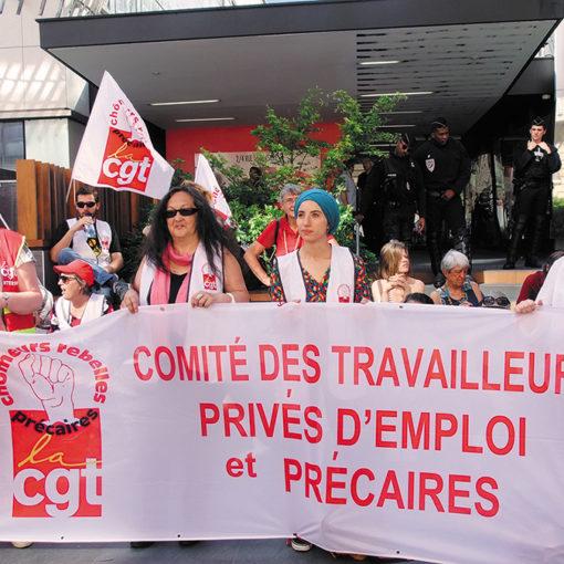 banderole cgt chômeurs et précaires à l'Unedic